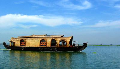 kumarakom, houseboats