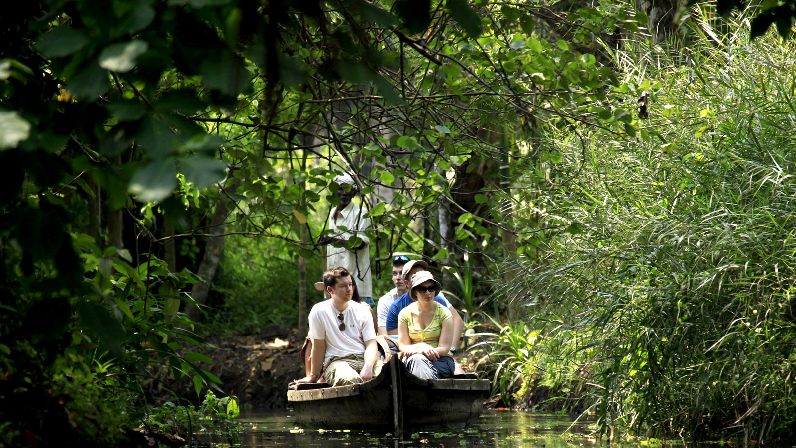 Enjoy Tour packages in  Kumarakom